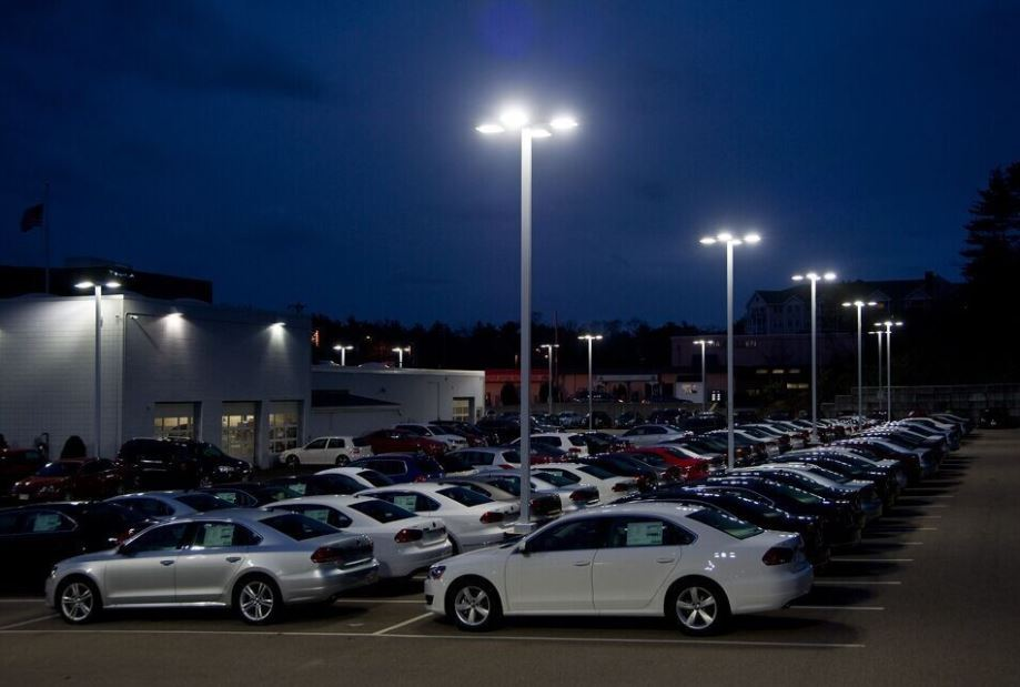 How Traders Can Save on LED Flood Lights for Parking Lots